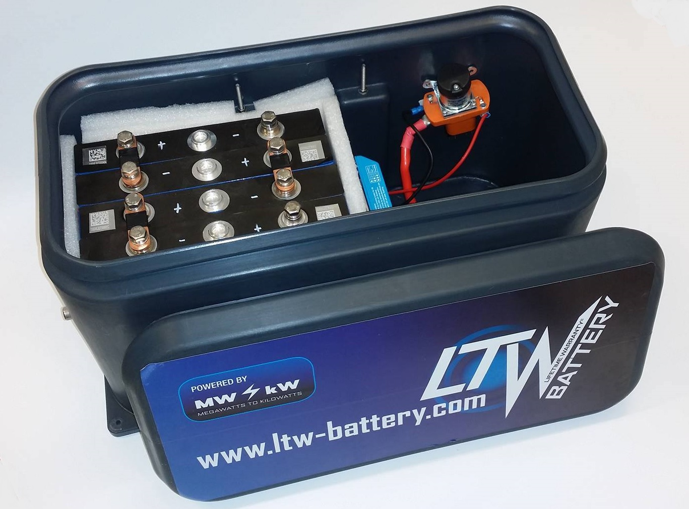 Waterproof battery boxes