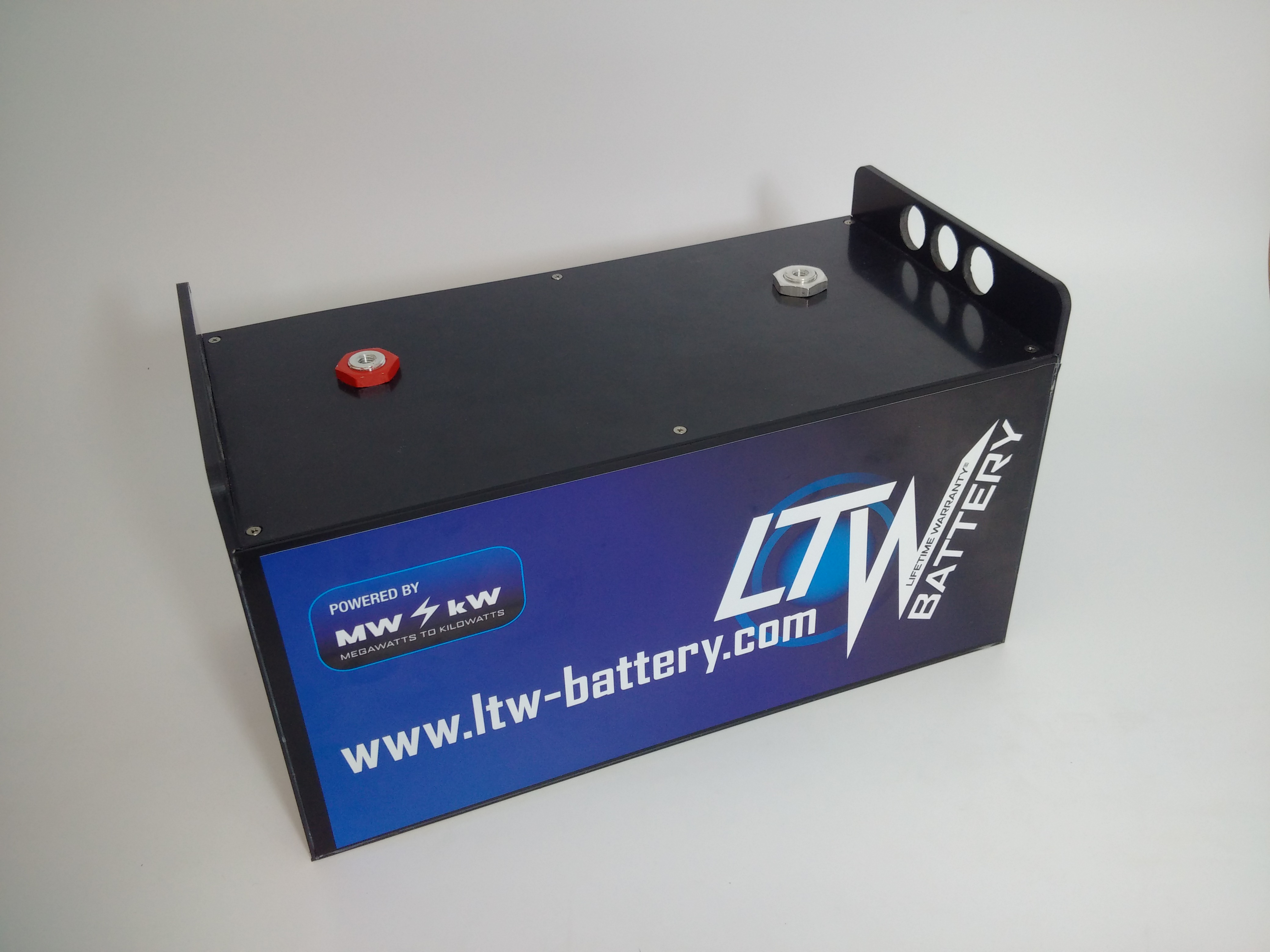 13.7.2017 - Updated version of LTW battery box
